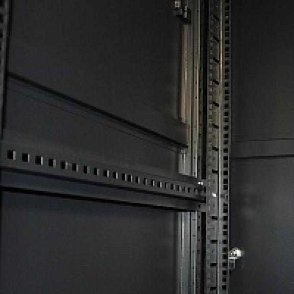 32U - 600x800 | Напольный серверный шкаф